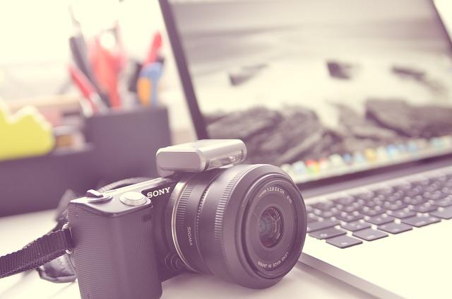 laptop y cámara